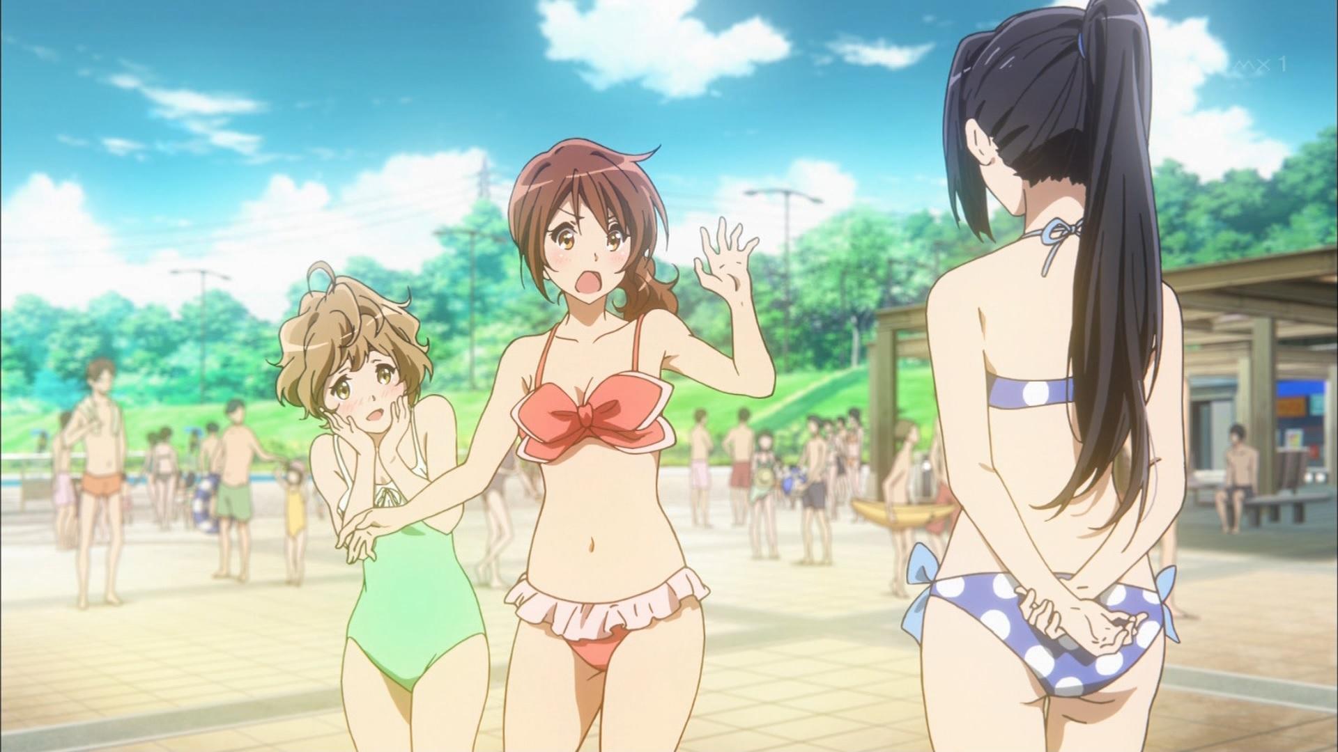 サファイアと久美子の水着と麗奈の水着の後ろ姿(第2話)