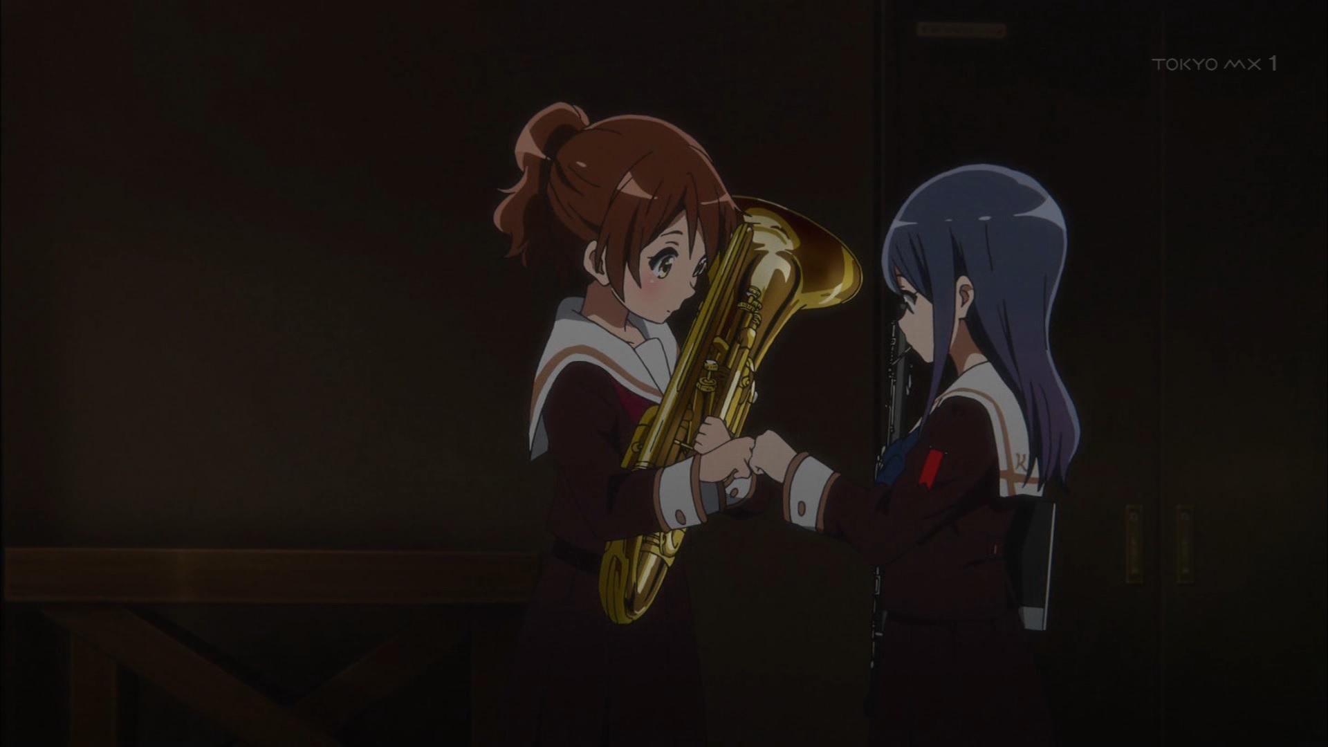 黄前久美子と鎧塚みぞれのグータッチ(第12話画像)