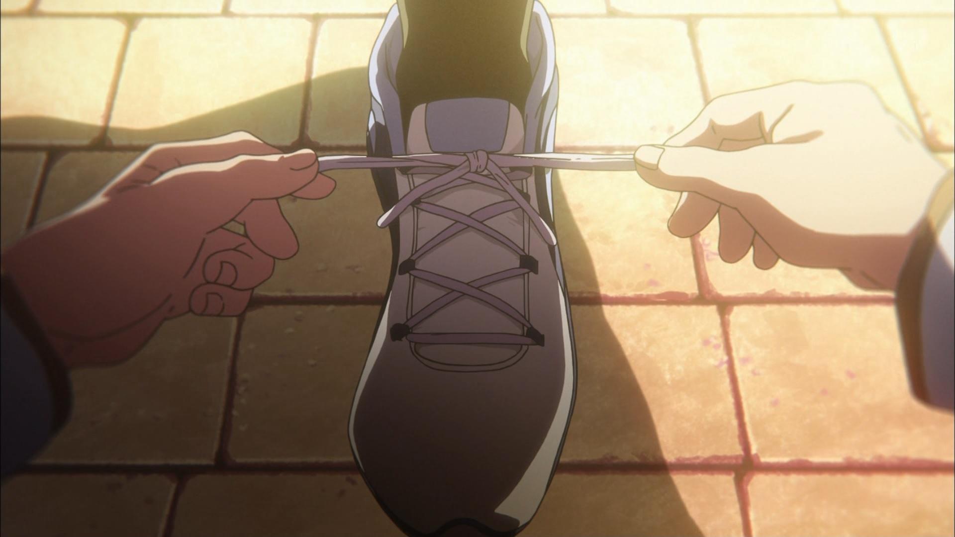 田中あすかの靴紐を結ぶ中世古香織(第9話画像)