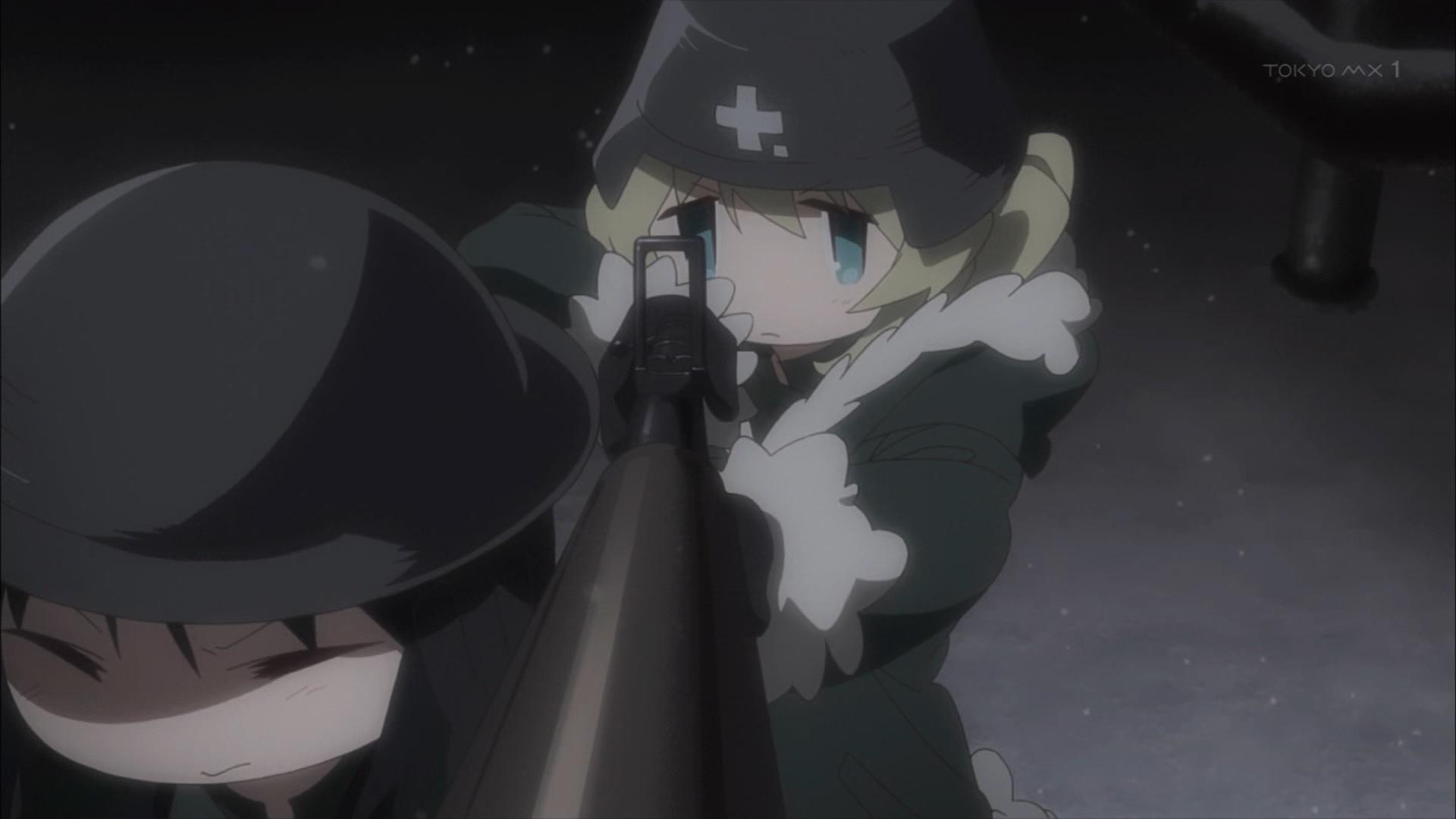 銃を構えるユーリを支えるチト