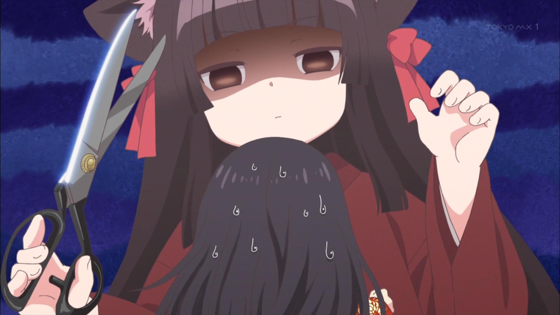 お菊の髪を切ろうとする櫻
