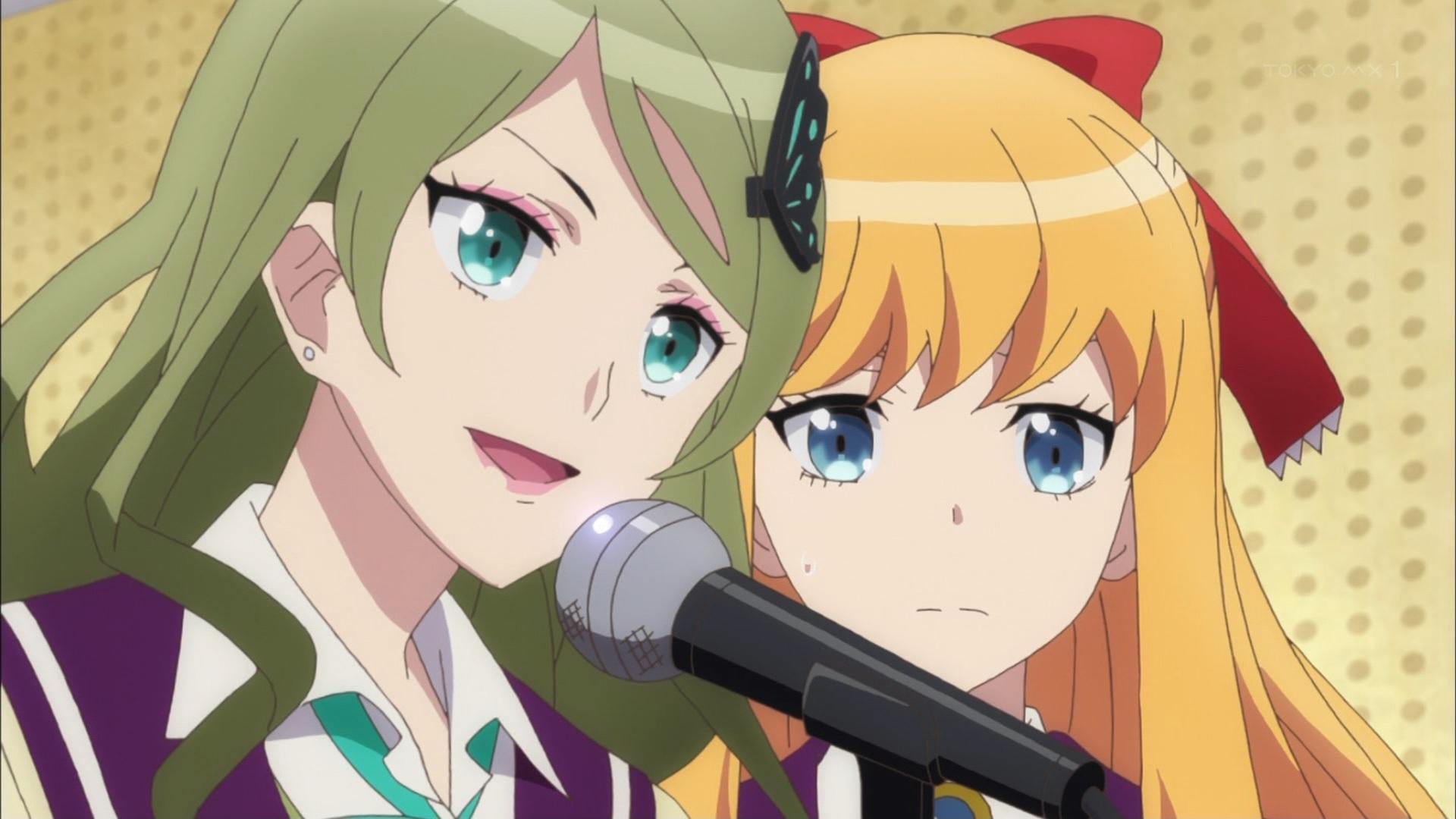 アフレコをする青山エリカと上井草アリス