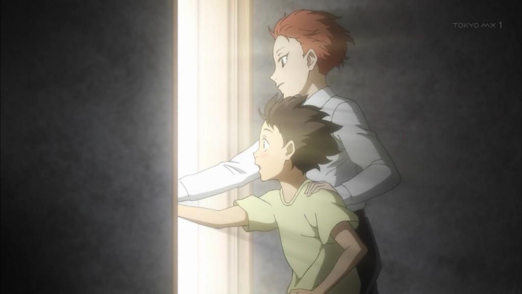 ドアを開ける富士田多々良と緋山千夏